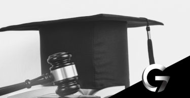 pós-graduação em direito chapéu de formatura livro advogado